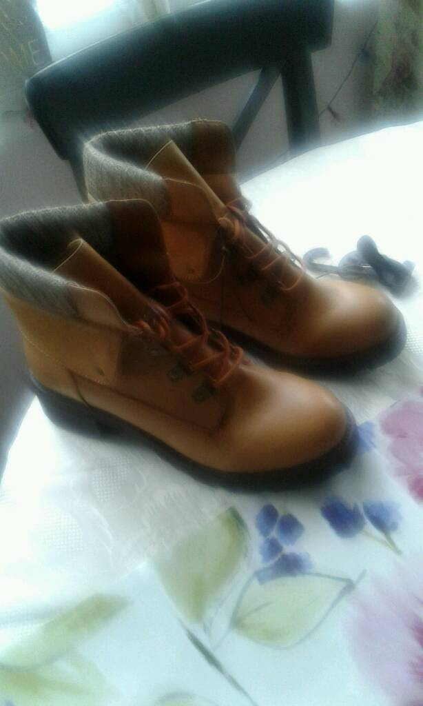 Ladies new boots-image-2
