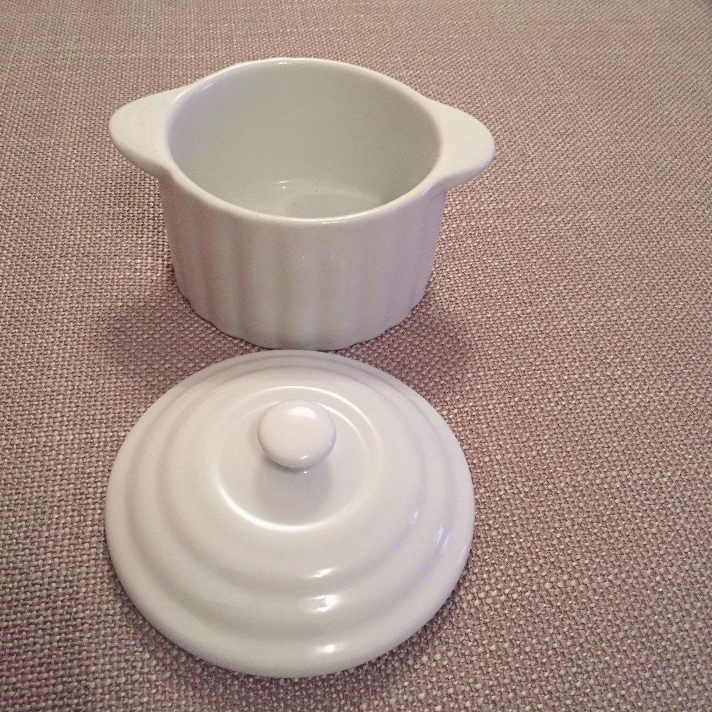 Casserole Dish 13cm - NEW and in Box-image-3