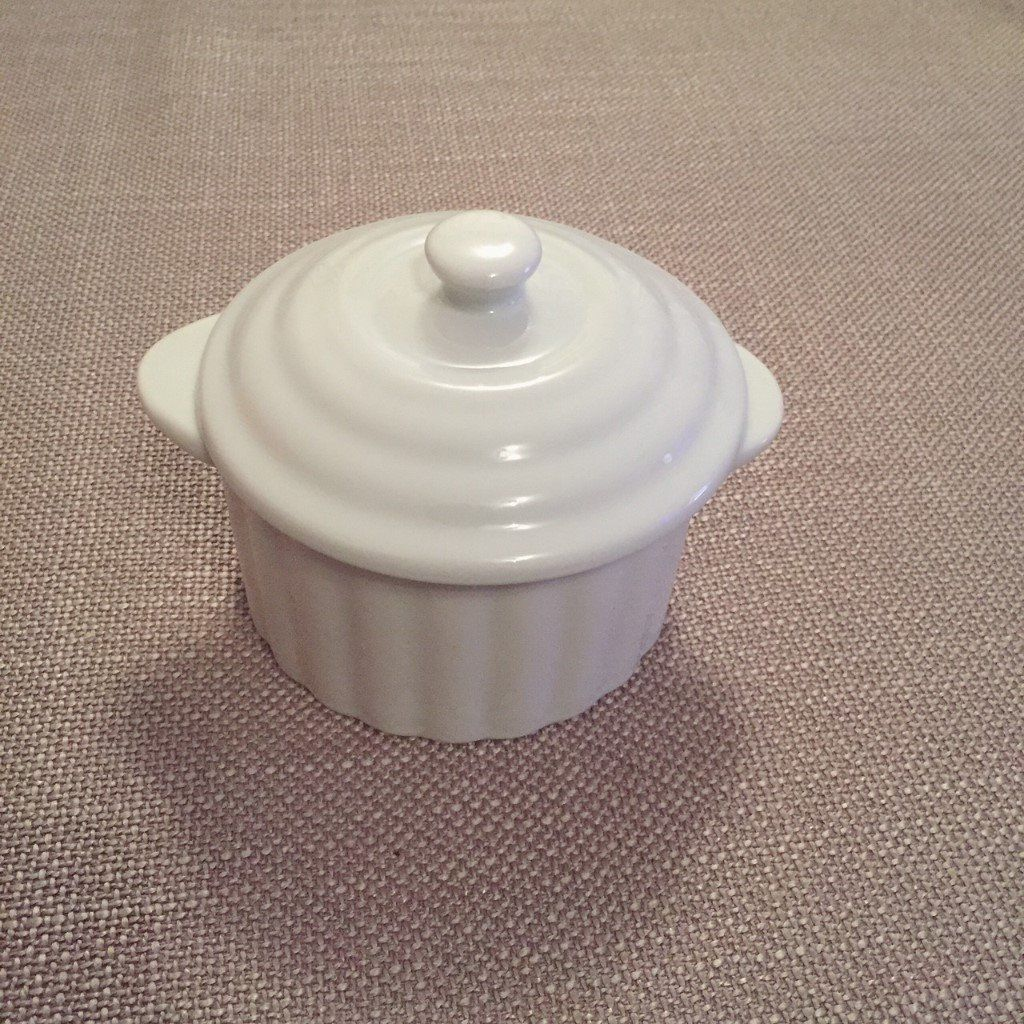 Casserole Dish 13cm - NEW and in Box-image-4