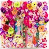 Schijnen als de bloemen, Gem. techniek op linnen in plexiglas, 60 x 60 cm.