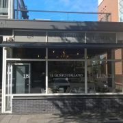 VERHUURD Lunchroom/Broodjeszaak in buitenwijk van Groningen