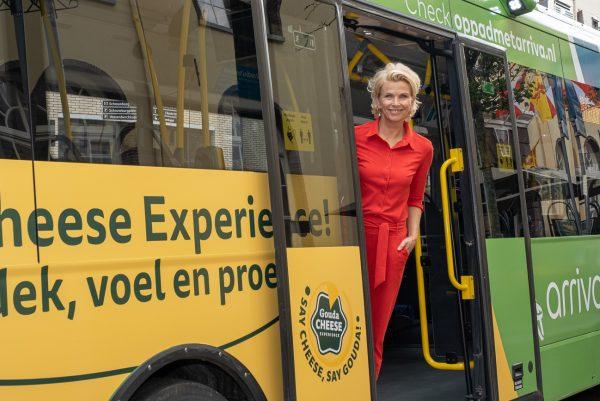 2020 Anita Witzier in Kaasbus