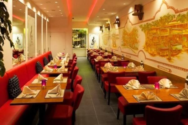Bangkok City Thai Restaurantzaal 06740