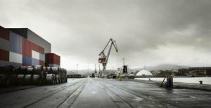 © Mariela Apollonio, 2010. Docks in Aviles Port, Spain, [baragaño] Architects. (Source: http://fotografadearquitectura.com/docks-aviles-port-spain-2/)