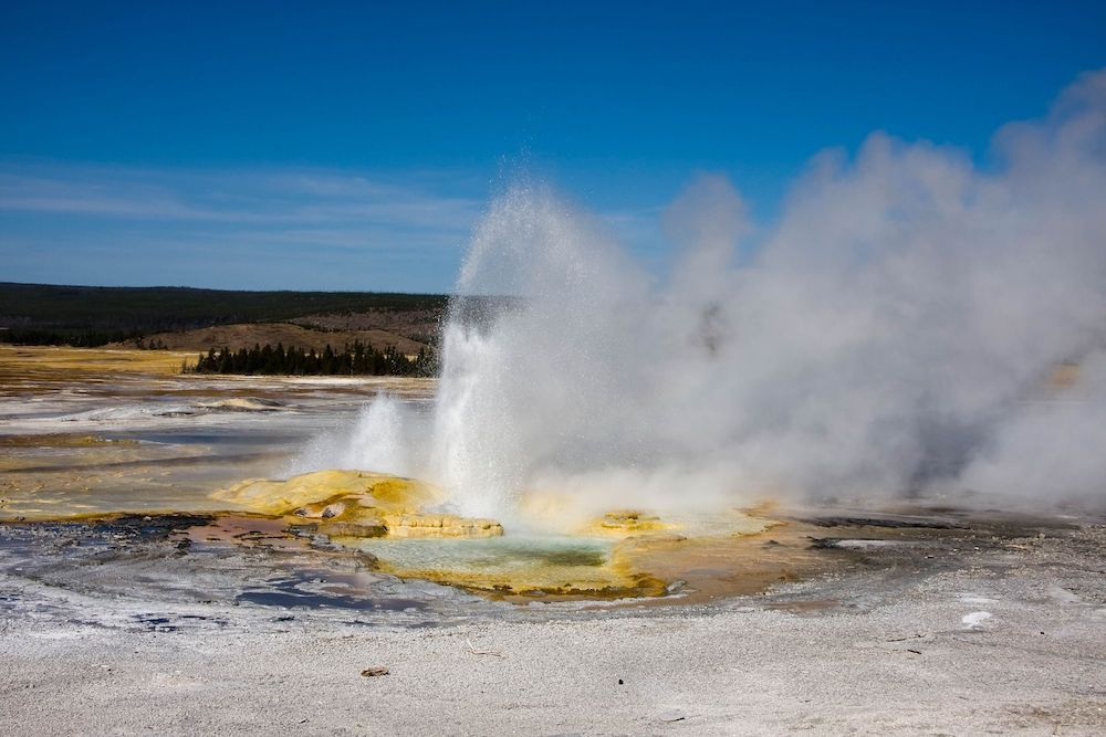 Geyser fonte di energia geotermica