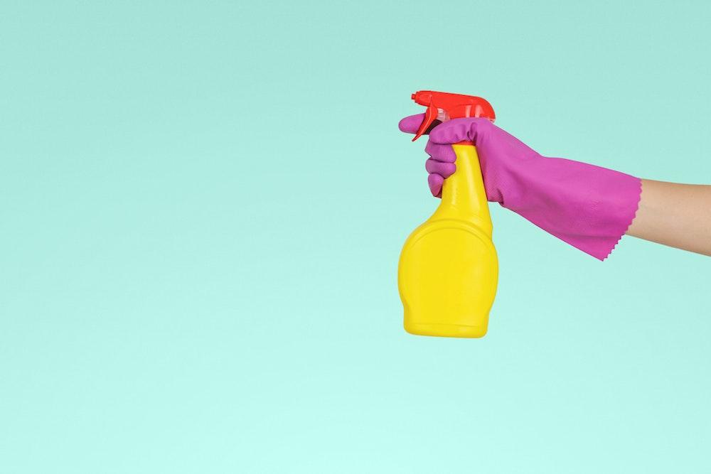 Fare le pulizie in ufficio