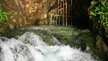 Fiumelatte springs, Varenna, Italy