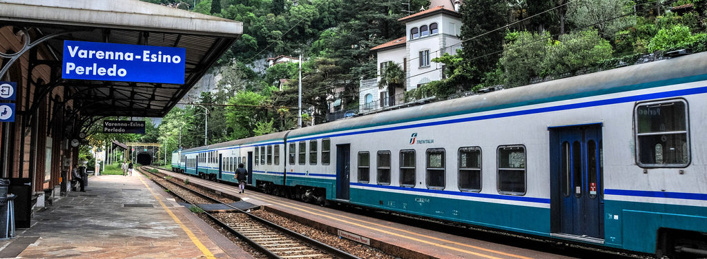Trains Lake Como
