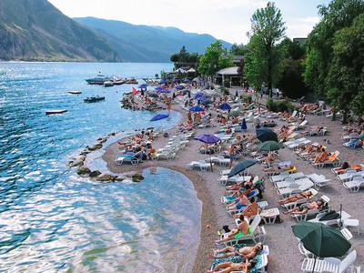 Lecco beach