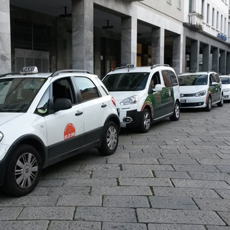 Taxi service, Lake Como