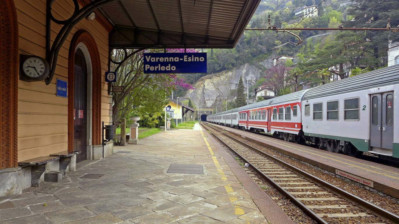 Lake Como train stations