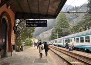 Trains around Lake Como