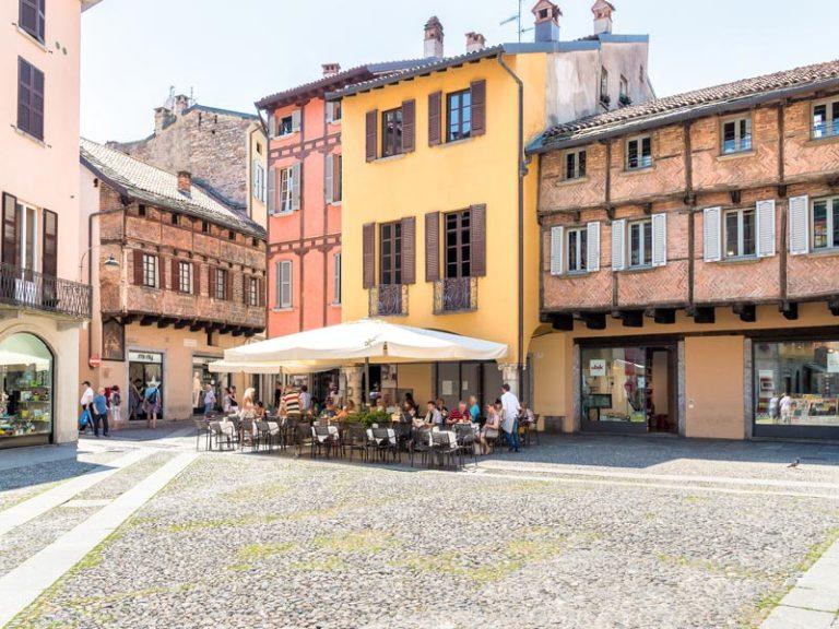 Como, Italy: Piazza San Fedele