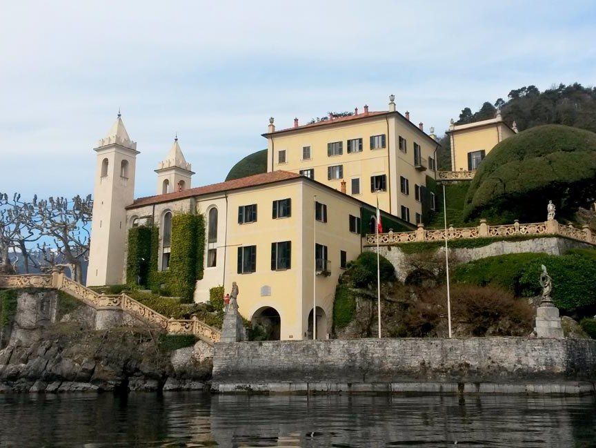 villa in lake como