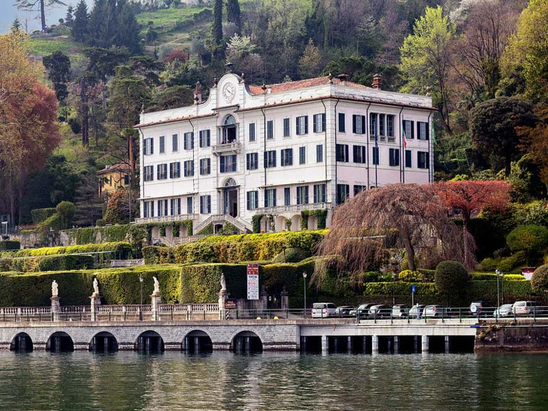 A view of Villa Carlotta from Lake Como