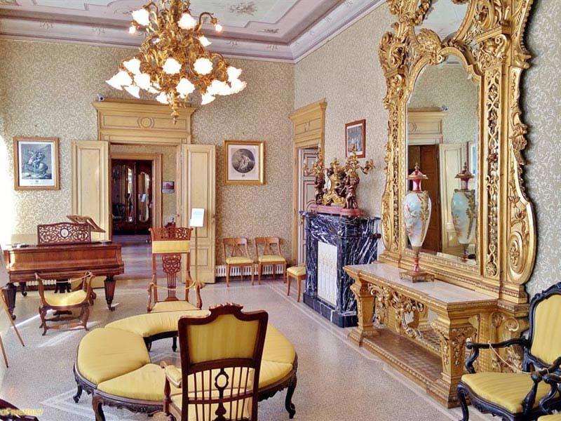 Ein Innenraum der Villa Monastero