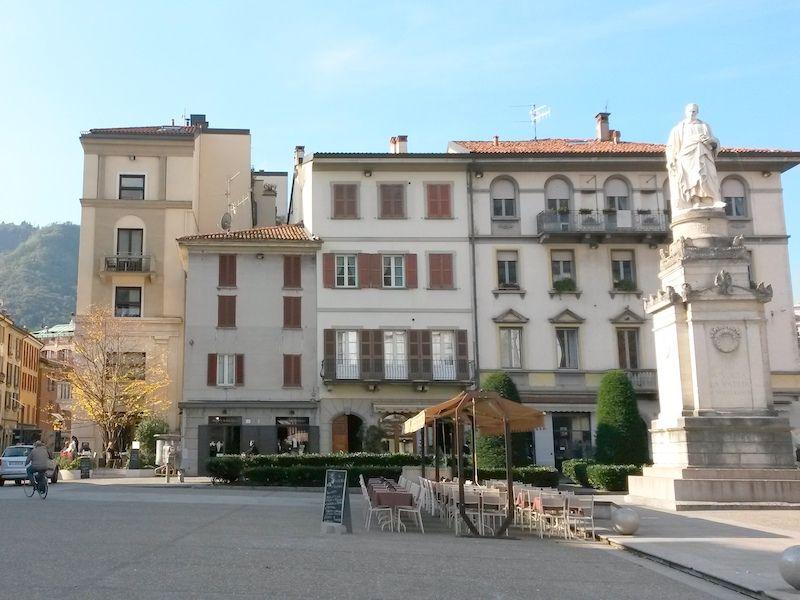 Piazza Volta, Como, Italy
