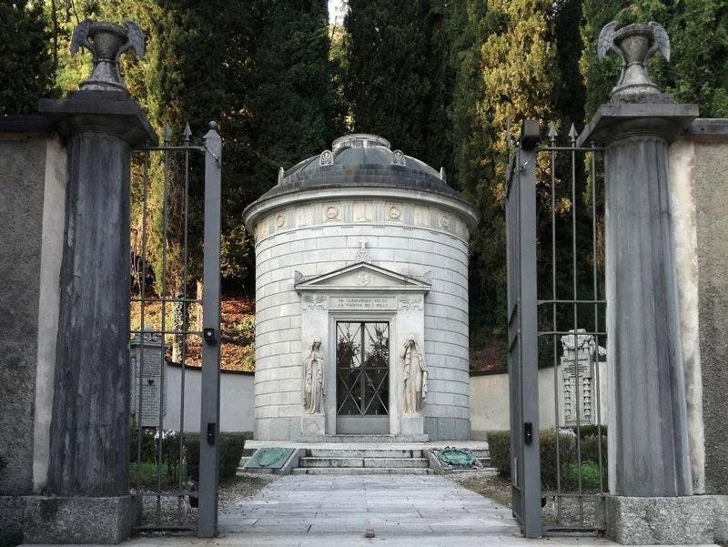 Volta's Tomb, Como