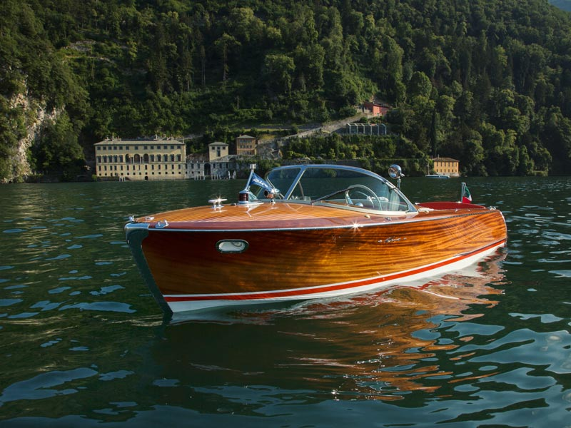Riva Super Florida and Villa Pliniana