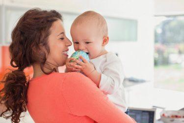 omeopatia per i problemi della bocca dei bimbi: dai primi dentini all'herpes labiale