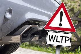 Auspuss und Verkehrszeichen: Achtung, WLTP