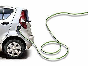 Elektroauto mit Ladekabel