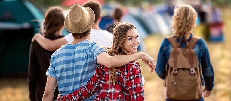Jugendliche auf Festival