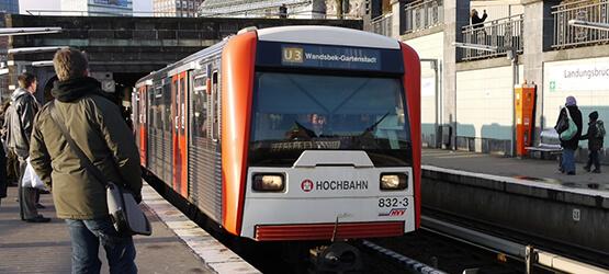 Bahnsteig der Hochbahn