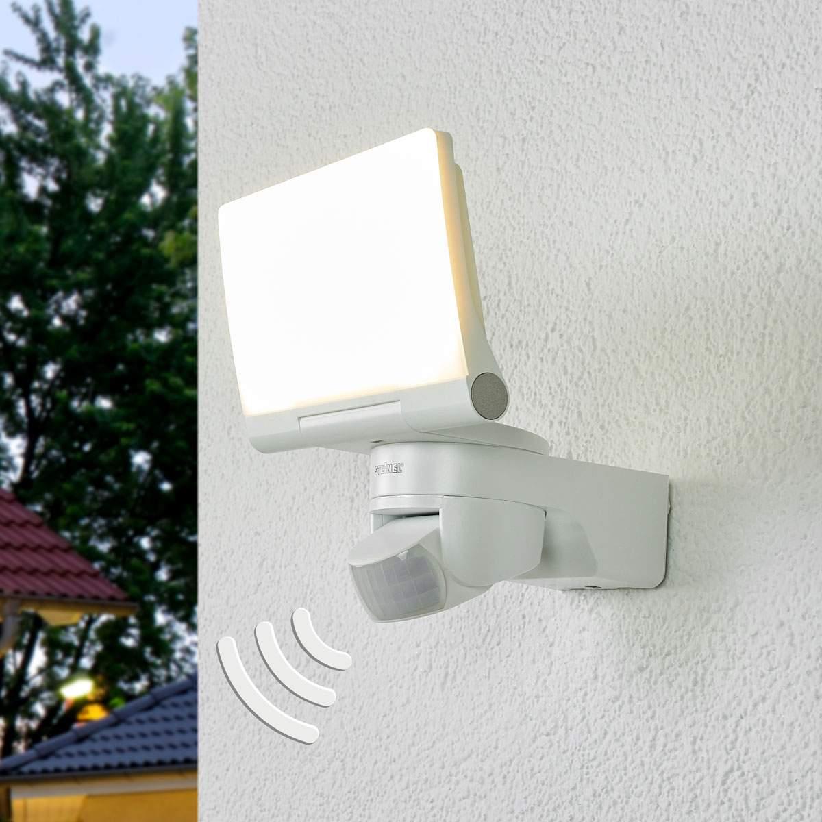 Applique XLED Home 2 bianca, con sensore Illuminazione per interni