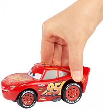 Disney Pixar Cars 3 Saetta McQueen Premi e Sfreccia Veicolo, DVD32 - 8