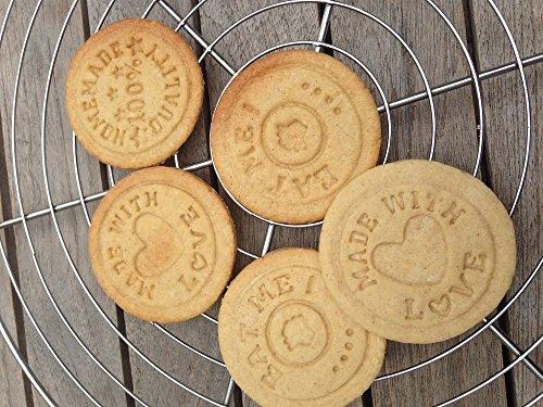 East-West Trading GmbH, set di timbri per biscotti, 3diversi motivi + tagliabiscotti + ricetta, per aiutarvi a realizzare biscotti veramente ben riusciti - 1
