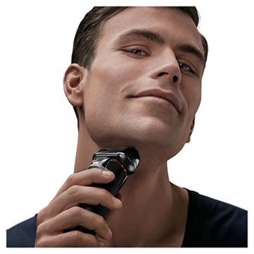 Braun Series 5 5030s Rasoio Barba Elettrico Ricaricabile a Lamina senza Fili da Uomo, con Rifinitore di Precisione Estraibile, Nero/Rosso - 3