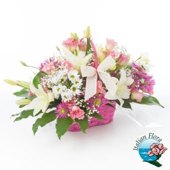 Cesto fiori misti bianchi e rosa - Consegna in Italia.