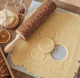 DIVISTAR Mattarello Natalizio in Legno Goffrato per cuocere Biscotti con Manico Rullo Impasto utensile da Cucina con Fiocchi di Neve incisi - 1