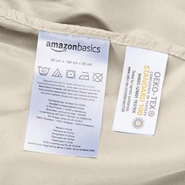 AmazonBasics - Lenzuolo con angoli in microfibra, 90x190x30cm, Beige - 2