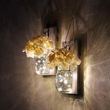 Ruiuzi 2 pezzi di applique da parete Mason jar Rustico, arredamento rustico in legno d'epoca, ganci in ferro battuto, ortensie di seta e luci a strisce LED design per la decorazione domestica (Beige) - 5