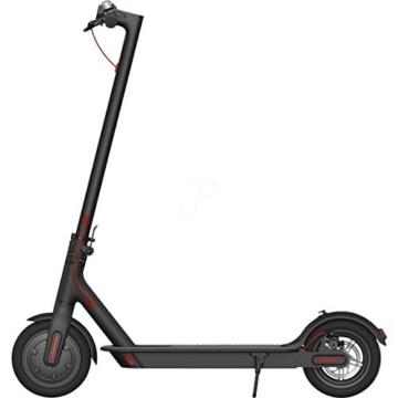 Xiaomi Mi Electric Scooter Monopattino Elettrico Pieghevole, 30 Km di Autonomia, Velocità fino a 25 Km/h, Versione Italiana, Nero - 1