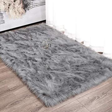 Faux pelliccia di agnello di pecora tappeto, HEQUN pelliccia sintetica decorativa Soffice Pelliccia di agnello imitazione Tappeto Longhair effetto pelliccia divano letto (Grey, 75 X 120 CM) - 2