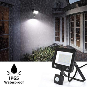 LE Faretto LED da Esterno con PIR Sensore di Movimento, 30W 3000 lumen Bianco Diurno 5000K, Proiettore Faretto da Esterno Impermeabile IP65 per Giardino, Corridoio, Illuminazione Interna ed Esterna - 3
