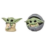 Star Wars - The Child Personaggio con Ciondolo e a Bordo di Carrozzina Volante, 2 Action Figure 5.5 cm del Personaggio Conosciuto Anche Come Baby Yoda, Ispirate alla Serie Disney con The Mandalorian - 1