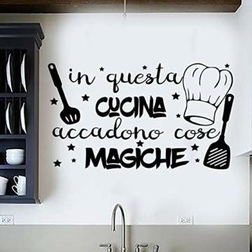 """Adesivo da parete in vinile con frase in italiano""""IN QUESTA CUCINA"""" adesivi murali frasi in italiano citazione, decorazione da parete, Wall Stickers, Art Sticker Decal Mural DC-18031 - 1"""