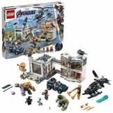 LEGO SuperHeroes Avengers:BattaglianelQuartierGenerale, Figure di ThanoseHulk,Minifigure di IronMan,CaptainMarveleNebula, 76131 - 1