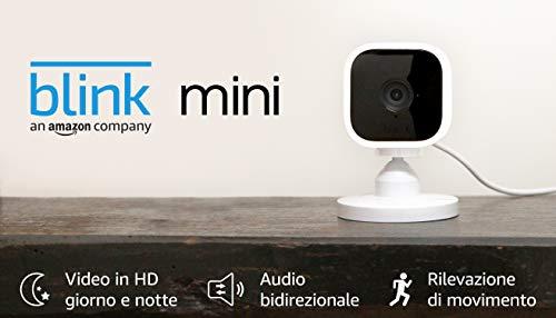 Blink Mini – Videocamera di sicurezza intelligente per interni, plug-in, compatta, con video in HD a 1080p, rilevazione…