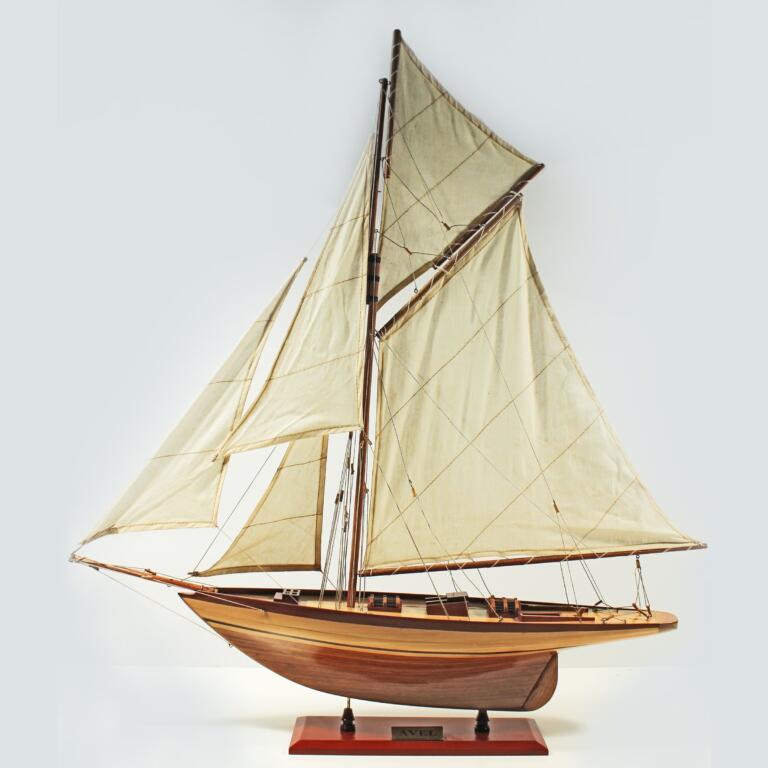 Håndlavet sejlskibsmodel af Avel