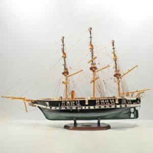 Handgefertigtes Schiffsmodell aus Holz der Fregatten Jyland