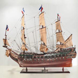 Handgefertigtes Schiffsmodell aus Holz der Friesland