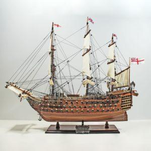 Handgefertigtes Schiffsmodell aus Holz der HMS Victory (60cm)