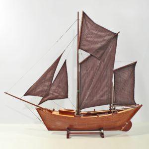 Handgefertigtes Schiffsmodell aus Holz der Maria