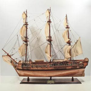Handgefertigtes Schiffsmodell aus Holz der Royal Caroline