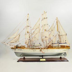 Handgefertigtes Schiffsmodell aus Holz der Statrad Lehmkuhl